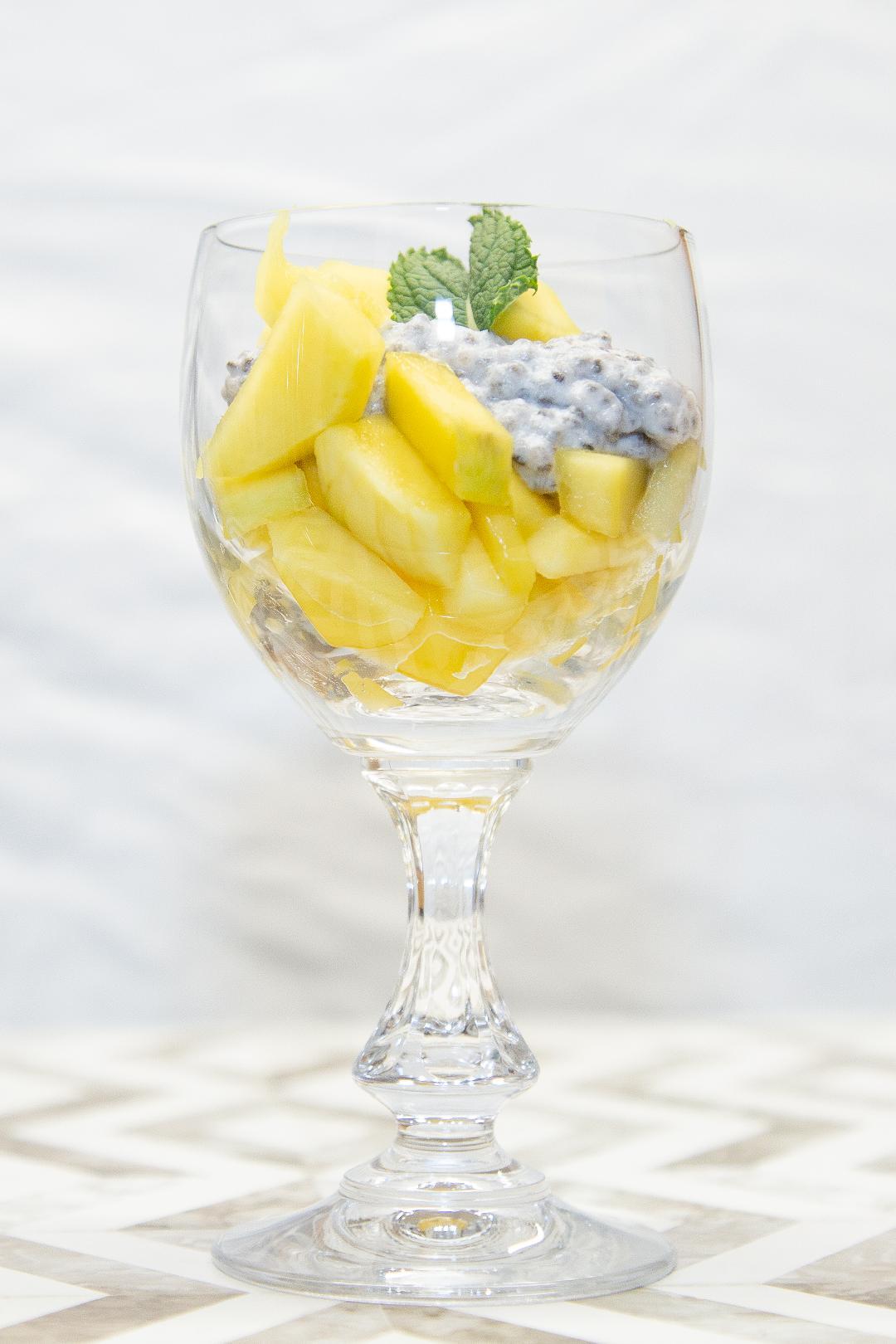 Mango-Kokos-Chia-Dessert